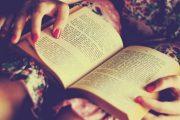 Dhjetë libra që çdo grua duhet t'i lexojë
