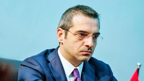 Ish-ministri i Brendshëm i Shqipërisë përballet me drejtësinë