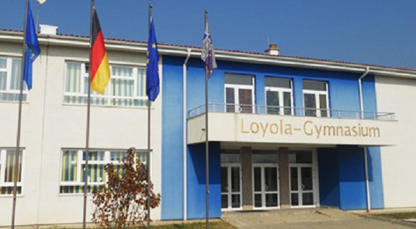 """Fillon regjistrimi i nxënësve në  shkollën """"Loyola"""" të Prizrenit"""