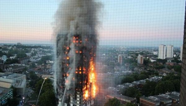Seriali i njohur parashikoi djegien e kullës së Londrës 24 vite më parë