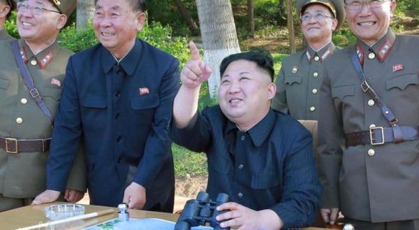 Trump: 'Gati të godasim!' Kim: 'Do ju bëjmë copë!'