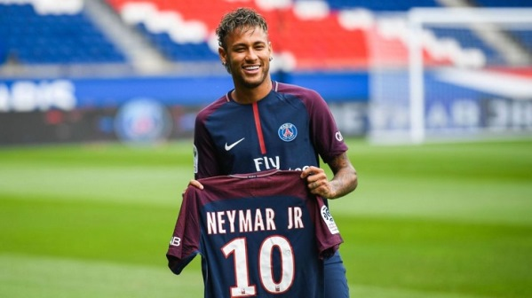 Neymari dëshiron rikthimin te Barcelona