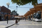 Stacioni i Autobusëve të Prizrenit hap dyert për artin bashkëkohor