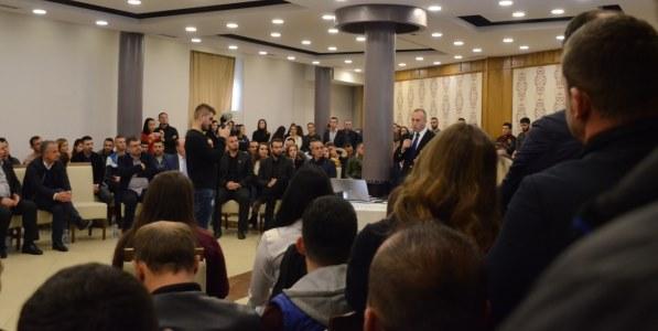 Haradinaj garanton mbështetje ekonomike për Suharekën