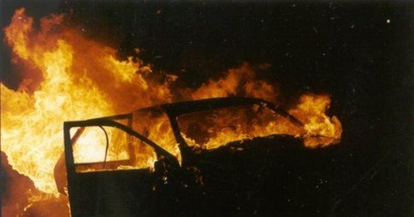 Prizren, ia vuri flakën veturës pasi shkaktoi vetë-aksident