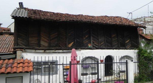 Nisin ndërhyrjet emergjente në kompleksin e familjes Drini në Prizren