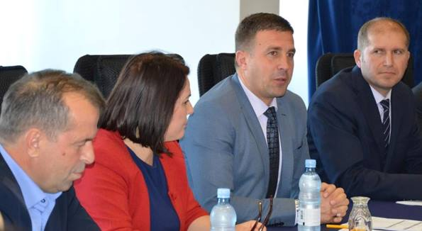 Ministri Demiri premton përkujdesje për të gjithë qytetarët