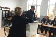 Shaqir Totaj kryen obligimin qytetar(Video)