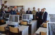 KFOR-i italian pajisi me kabinete të informatikës dy shkolla të Malishevës