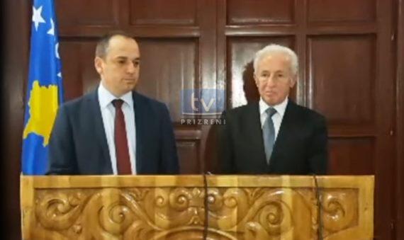 Ceremonia e pranim -dorëzimit të detyres së kryetarit të ri të Prizrenit, Mytaher Haskuka (Video)