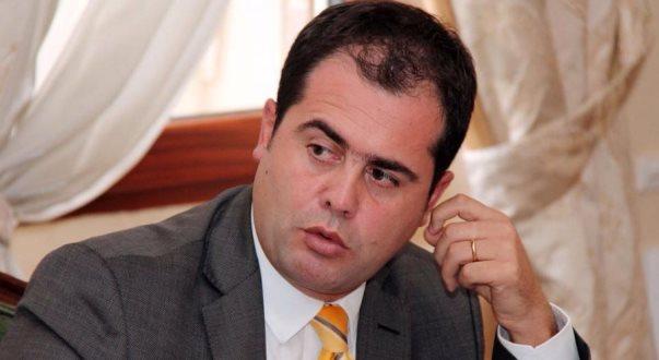 Deputeti i PD-së kritikon votën e Shqipërisë kundër SHBA-së në OKB, e ndërlidh me prejardhjen e tij nga Prizreni