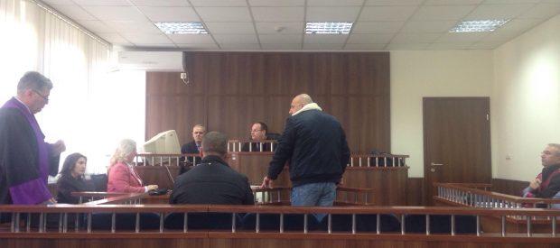 Avokati  fjaloset me trupin gjykues në seancën e  zëvendëskomandantit të Stacionit Policor në Dragash