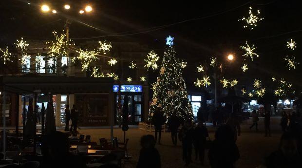 Kështu është dekoruar Prizreni, për festat e fundvitit (Foto)