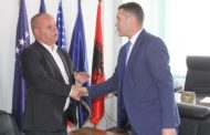 Smajl Latifi merr mandatin e kryetarit të komunës së Rahovecit