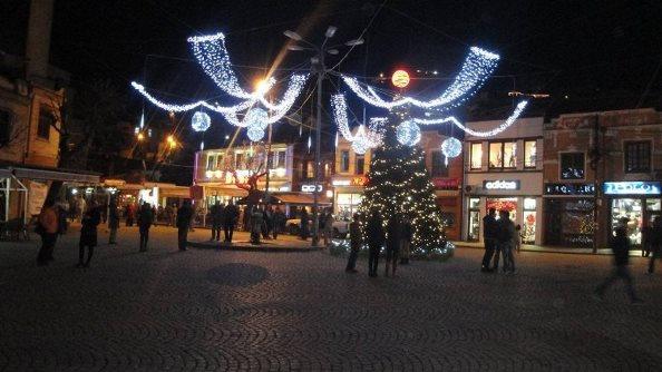 Prizren, 5 mijë euro më shumë për dekorimet e fundvitit