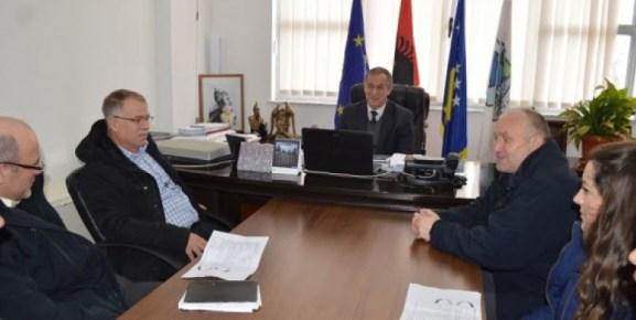 Komuna e Malishevës mbështet kultivuesit e bimëve mjekuese