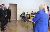 """Latifi vizitoi çerdhen """"Tulipanët"""" dhe shkollën """"Bekim Sylka"""""""