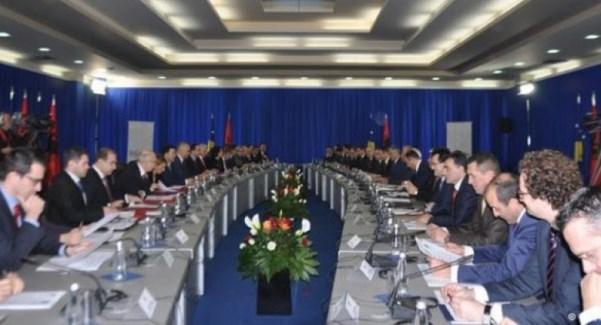 Në Prizren 4 vjet më parë u mbajt mbledhja e parë e përbashkët e dy qeverive