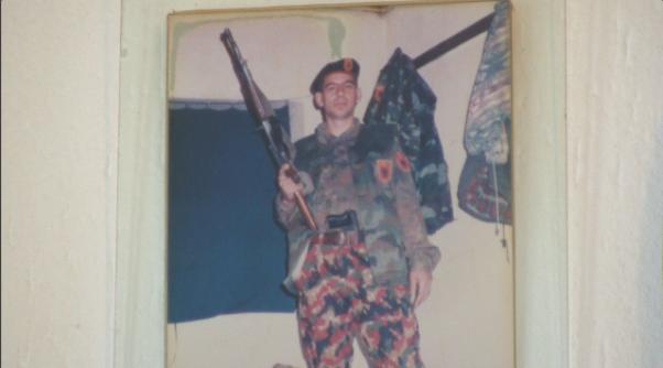 Avokati: Askush nuk e di vendndodhjen e ish-komandantit të UÇK-së të ftuar nga Gjykata Speciale