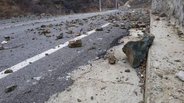 Rrëshqitje gurësh në aksin Kukës-Shishtavec