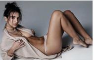 Emily Ratajokowski, topless në kopertinë