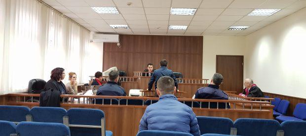 Prizren: Shtetasi i Shqipërisë dënohet me 350 euro gjobë, tentoi t'ia jep 10 euro ryshfet policit kufitar