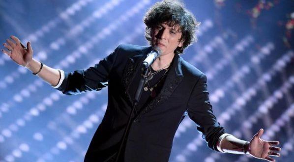 Kush është Ermal Meta, shqiptari që triumfoi në Sanremo