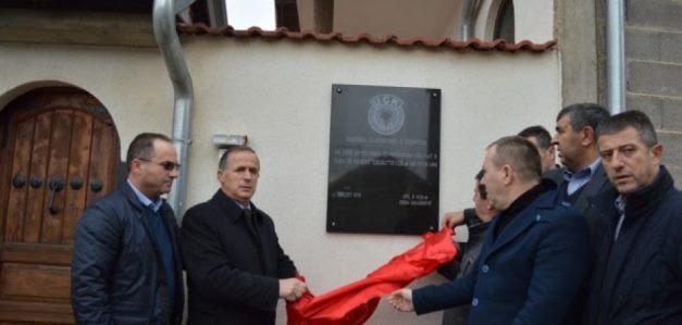 Vendosen pllaka me mbishkrime shtabe të UÇK-së në Malishevë