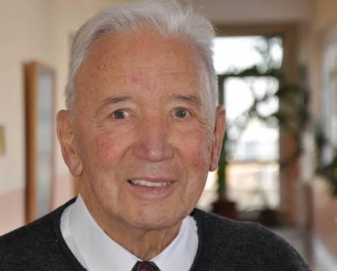P.Peter Leutenstorfer- pedagogu gjerman që ndihmon arsimin në Kosovë