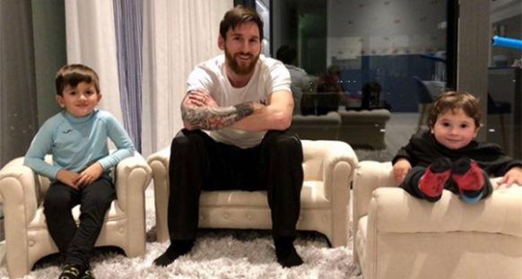 Messi anulon ndeshjen, bëhet baba për herë të tretë