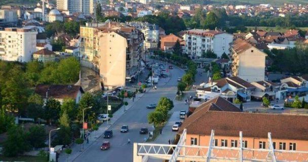 Kryetari i Suharekës paralajmëron bllokim të rrugëve në shenjë proteste kundër KEDS-it
