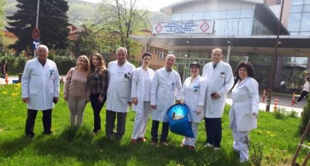 Aksion për pastrimin e ambientit të jashtëm të Spitalit të Prizrenit