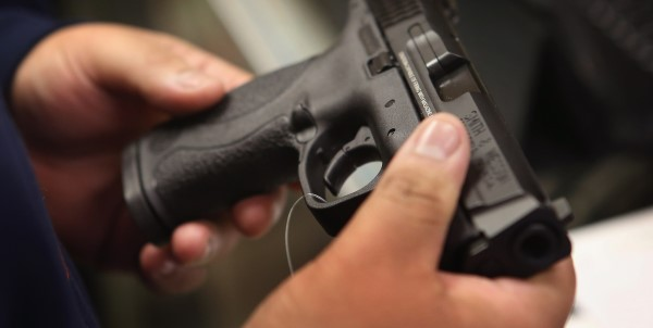 Kapet në Morinë kosovari me 3 pistoleta në makinë