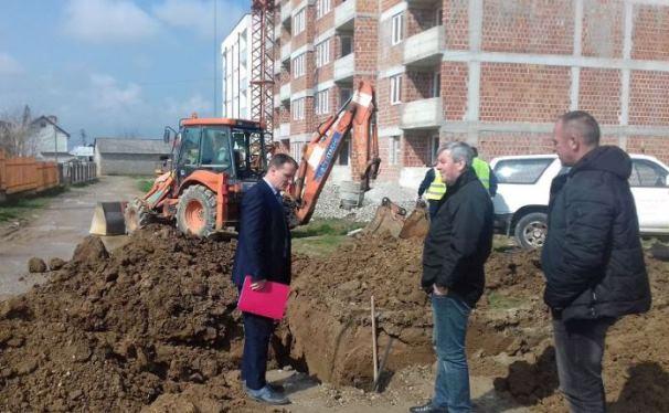 """Komuna e Prizrenit planifikon 150 mijë euro për infrastrukturë në lagjen """"Petrovë"""""""