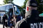 Bllokohen autobusë me 270 emigrantë në Bosnje