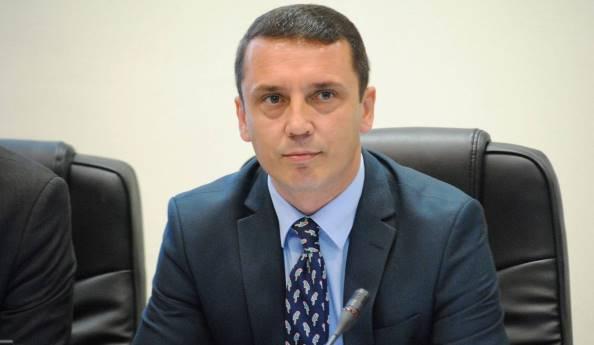Gashi, Kosova çdo ditë e më shumë po mbron autorin