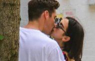 Dua Lipa harron dramën e tradhëtisë, shkëmben puthje të zjarrta me të dashurin në New York