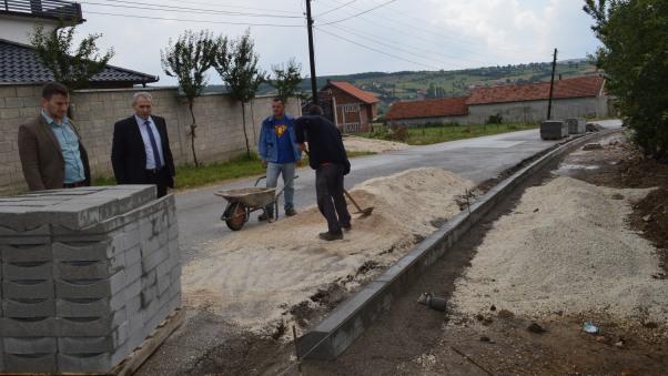 Ka filluar ndërtimi i trotuarit në Ngucat të Malishevës