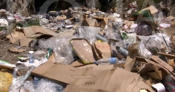 """Gora e Dragashit refuzon """"Ekoregjionin"""", mbeturinat hidhen vend e pavend"""