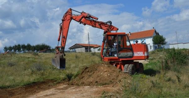 Filloi rregullimi i rrugëve në Shkarashnik