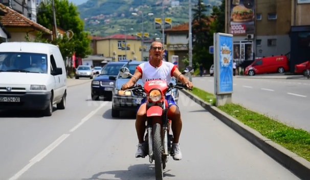 Mexhid Gjurdina, 75-vjeçari ikonë e Prizrenit (VIDEO)