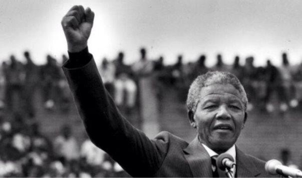 Përkujtohet 100 vjetori i Madiba – Kush ishte Nelson Mandela?