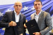 """Nënshkruhet memorandumi për projektin """"Kujtesa e Kosovës: Histori Gojore – 100 Rrëfime nga 100 Pleq e Plaka"""""""