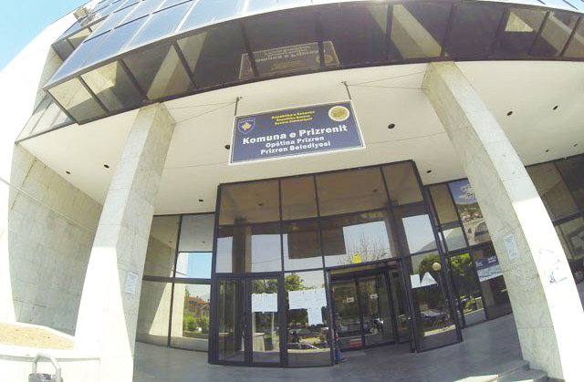 Dy zyrtarët ligjor të Komunës së Prizrenit, ndalen për 48 orë në Polici