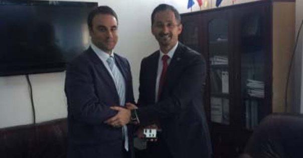 Kryeprokurori i Prizrenit takohet me ambasadorin britanik, Ruairi O'Connell