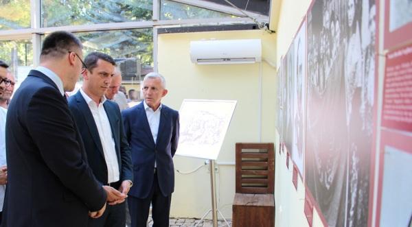 Gashi: Ekspozitat e këtilla dëshmi e bashkëpunimit dhe realizimit të aktiviteteve të përbashkëta në mes dy vendeve tona