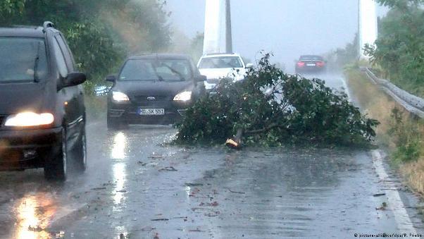 Pas të nxehtit, nisin shirat e stuhishëm në Gjermani