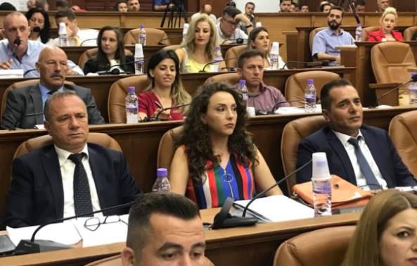 Opozita e akuzon kreun e Prizrenit për kërcënim