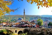 Grupi joformal i hisedarëve kundër kaosit në Qendrën Historike të Prizrenit