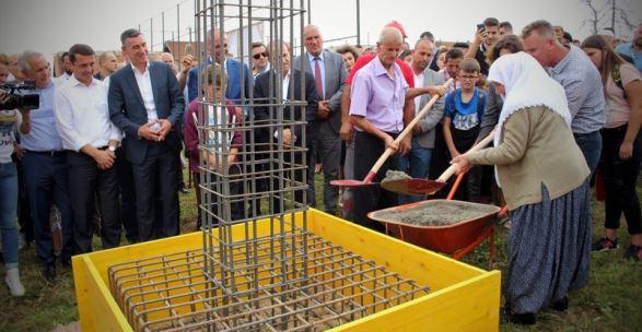 Vihet gurëthemeli për ndërtimin e Qendrës së Sporteve dhe të Panaireve në fshatin Greme të Ferizajit